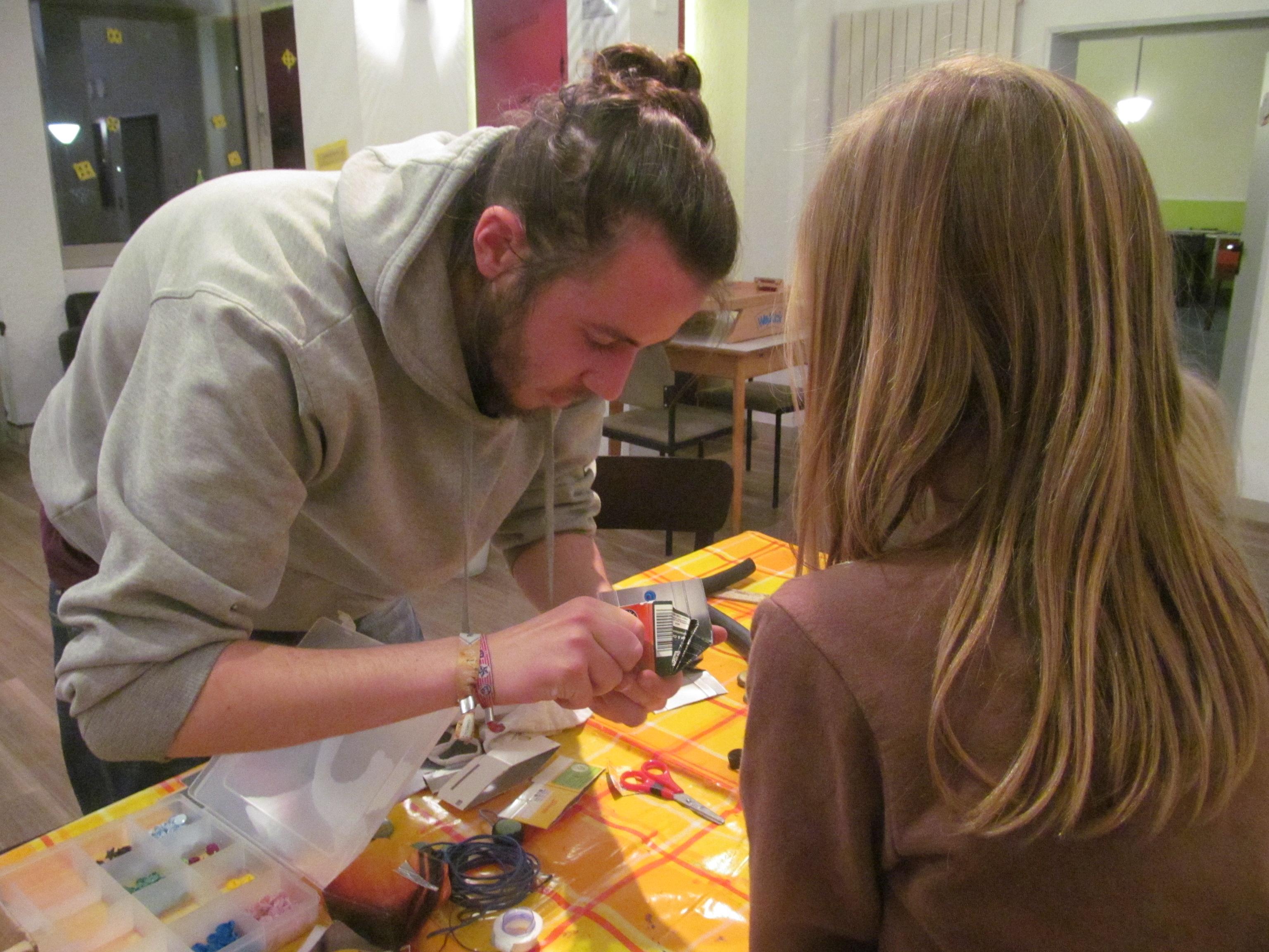 Geschenkewerkstatt im CVJM – Der (vor)weihnachtliche Upcycling-Workshop