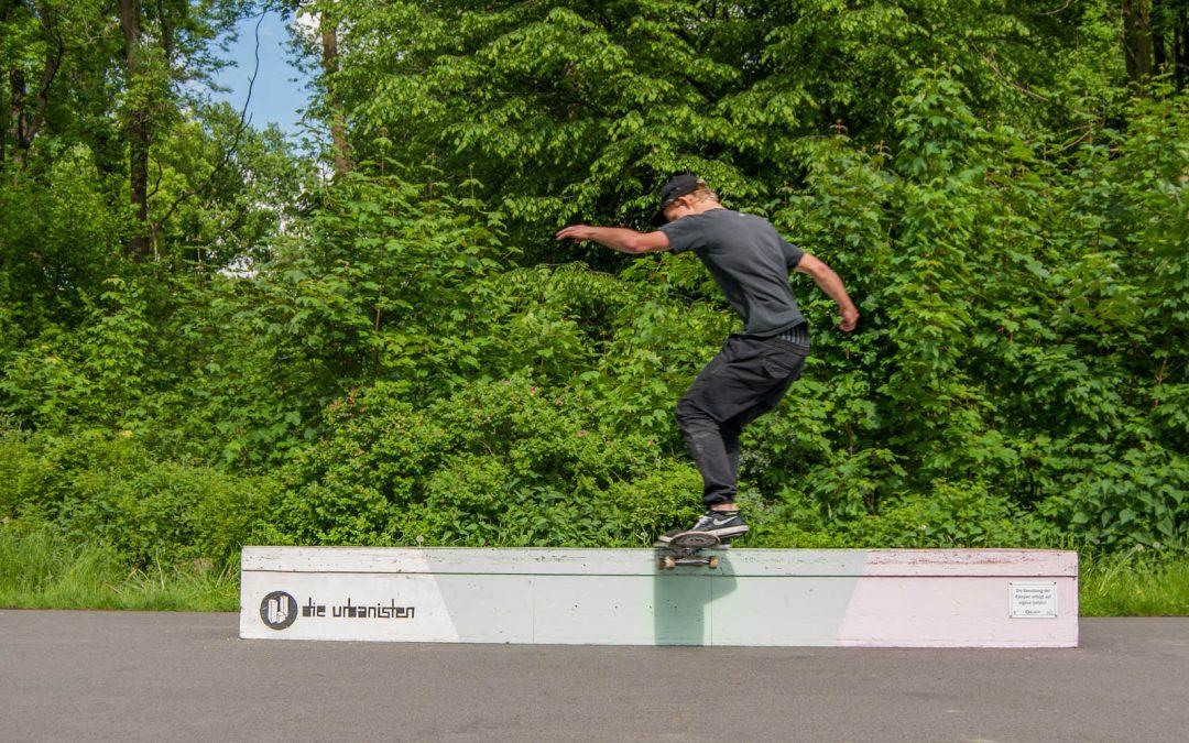 """Skateboard-Contest-Tour – Hier fliegen Skater durch den Fredenbaumpark"" Ruhrnachrichten, 21.05.2017"