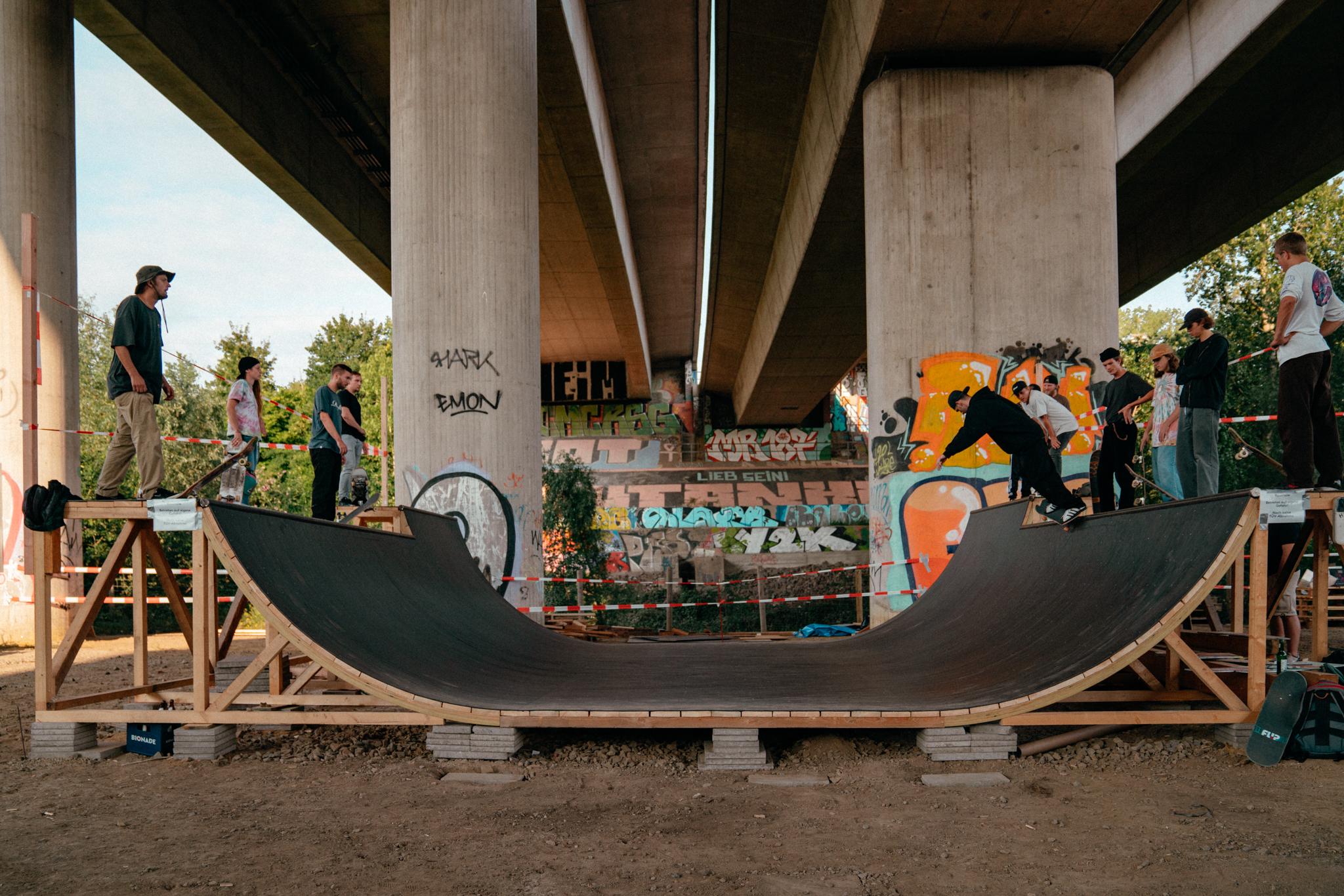 TRANSURBAN – Einweihung Skate-Skulptur & Best-Trick-Contest #Mukke